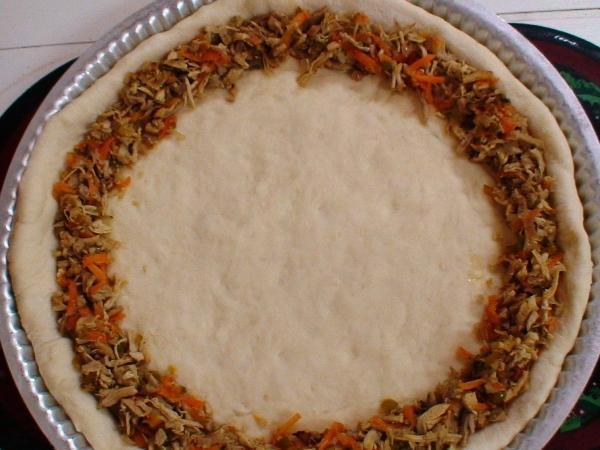 بيتزا محشوة الاطراف 3882lo10.jpg