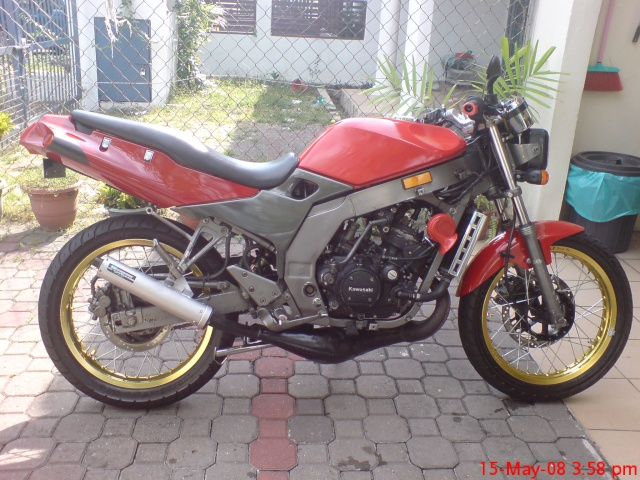 Rxz Catalyzer Motorcycle http://motorcyclepictures.faqih.net/motorbike/yamaha-rxz-catalyzer-green/