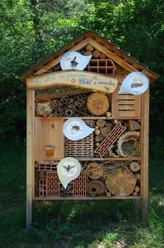 Maison a insectes fabrication avie home - Maison a insectes fabrication ...
