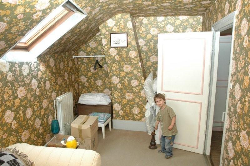 Toute petite chambre la forme compliqu e pour une petite for Meubler une petite chambre adulte
