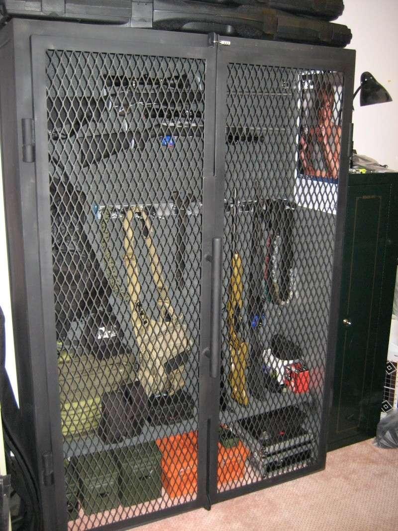 armoire pour armes a feux construction. Black Bedroom Furniture Sets. Home Design Ideas