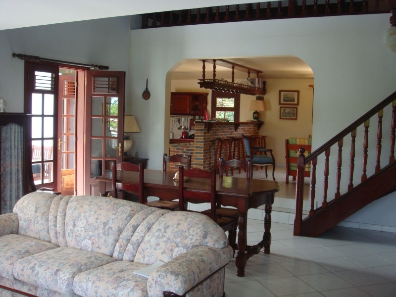 cherche id e pour relooker salon salle manger. Black Bedroom Furniture Sets. Home Design Ideas